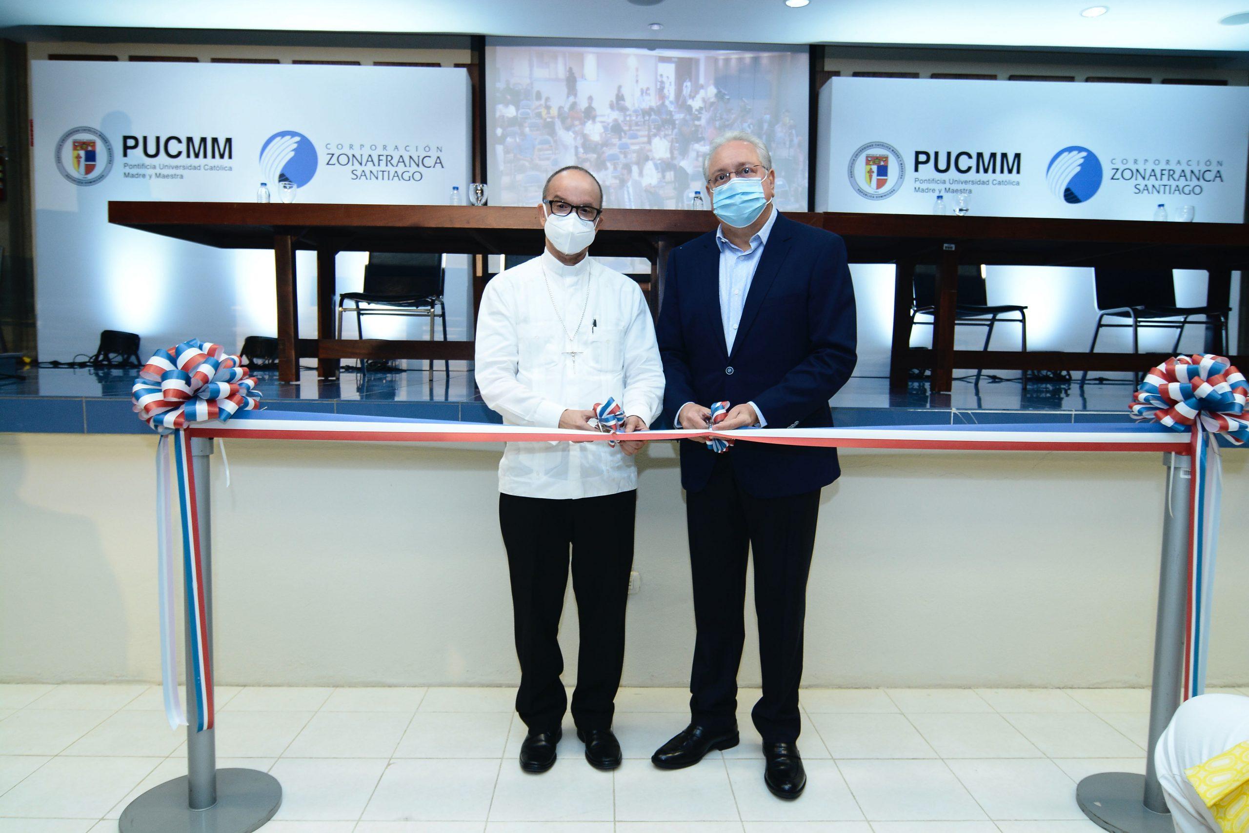 PUCMM y CZFS inauguran laboratorios de ingeniería